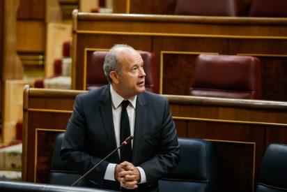 Jueces y fiscales dan un 'mega plantón' al Ministro de Justicia por apoyar el asalto de Sánchez al CGPJ
