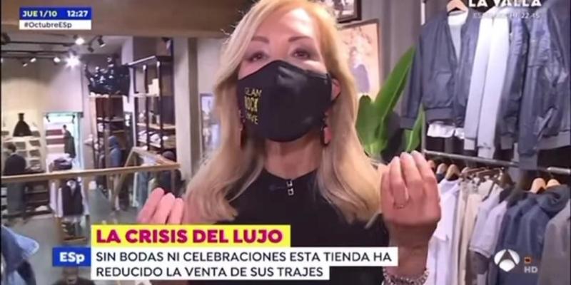 """""""¡Consumid! ¡Poneos guapos!"""": el insólito debut de CarmenLomana como reportera de 'Espejo Público' analizandola crisis del lujo"""