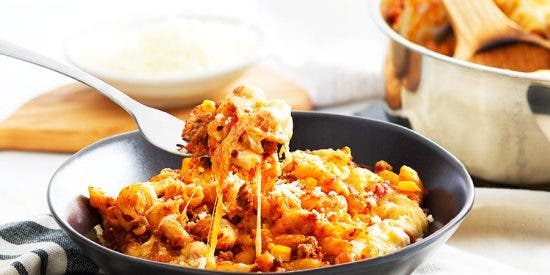Macarrones con chorizo y queso gratinado: ¡Irresistible receta de fácil preparación!