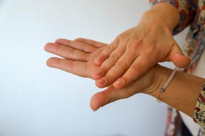 El coronavirus puede permanecer en la piel durante 9 horas