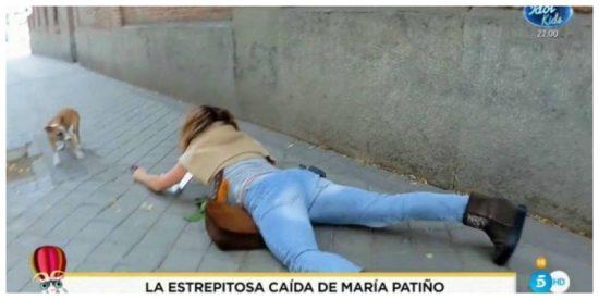 El dantesco show de María Patiño: estrepitosa caída con la caca de su perro en mano y amenazas a su equipo