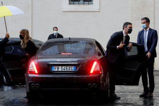 Los indecentes lujos de Pedro Sánchez y Begoña Gómez en Roma: Falcon, 10 coches y un Maserati