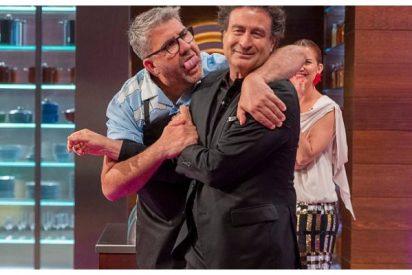 Desvergüenza en 'Masterchef Celebrity 5': besos y abrazos mientras a ti te piden que no salgas de casa