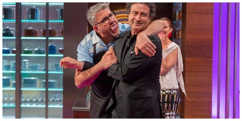 Desvergüenza en 'Masterchef Celebrity 5': besos y abrazos en la tele pública mientras a ti te piden que veas a tu familia con mascarilla