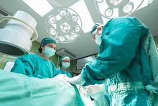 ¿Están bien pagados los médicos españoles?Las diferencias de salario entre comunidades rondan los 1.000 euros al mes