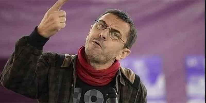 Monedero, que recibió medio millón de los torturadores chavistas, califica de 'franquista' a la Asociación de la Prensa
