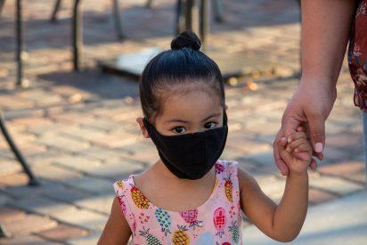 Mascarilla y maltrato infantil