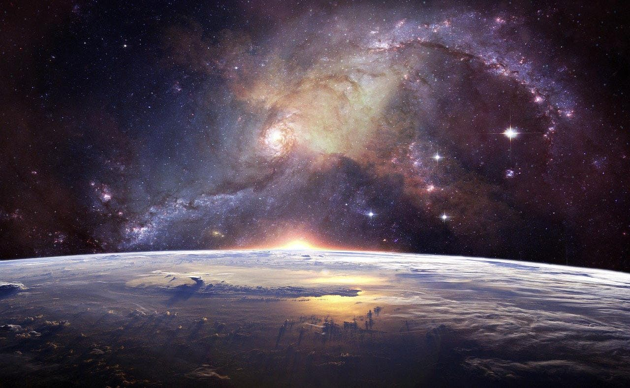 """Científicos descubren 24 exoplanetas """"superhabitables"""" con mejores condiciones de vida que la Tierra"""