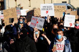 Polonia cumple una semana de manifestaciones consecutivas por la reforma del aborto