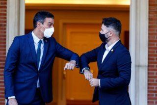Sánchez decreta la prohibición total del español en las aulas catalanas para contentar a ERC
