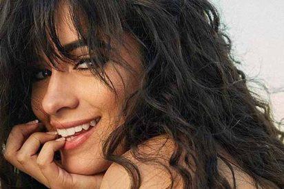 La intimidad de Camila Cabello queda expuesta en la calle por culpa de sus perros