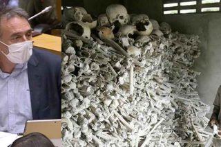 Mano de palos al podemita Enrique Santiago (PCE) por blanquear desde el Congreso los crímenes del comunismo