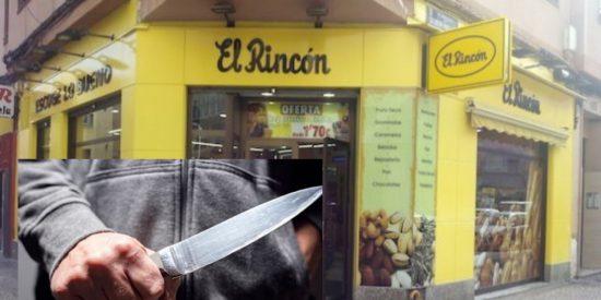 El atracador encierra a las empleadas en el almacén y se pone a vender croissants... ¡para hacer caja!