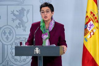 González Laya tira de 'bulos' para culpar a Ayuso del veto turístico de Reino Unido a España