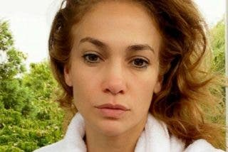 Jennifer Lopez al 'natural': recién levantada, cara lavada y sin una gota de maquillaje