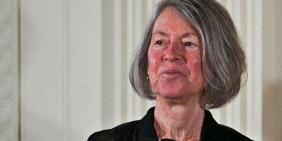 Tras ganar el Nobel, Louise Glück planta a la modesta editorial española que apostó por ella cuando era una desconocida