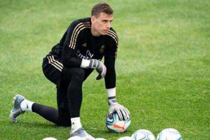 Lunin se lía contra Polonia y la pifia le sale cara al portero del Real Madrid