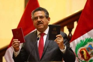Manuel Merino asume la Presidencia de Perú y hará elecciones presidenciales el 11 de abril de 2021