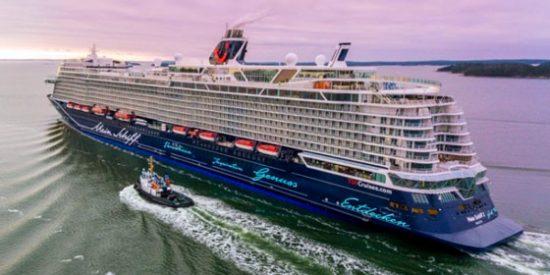 Torres recibe al primer crucero en Canarias tras el parón por el Covid-19 con el deseo de que se convierta en rutina