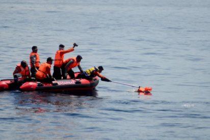 Trinidad y Tobago deporta a 16 niños venezolanos en un bote cutre y ahora están desaparecidos en altamar