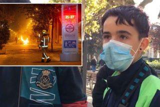 Pablo, el hijo de 16 años de la barrendera, que sale a limpiar con sus amigos el aquelarre de Logroño