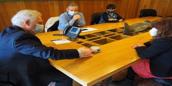El Presidente del parlamento de Galicia recibe a la liga reumatológica