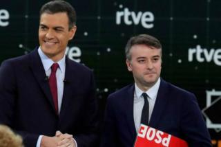 Iván Redondo maniobra para amordazar a los socialistas que critican el pacto de Sánchez con Bildu