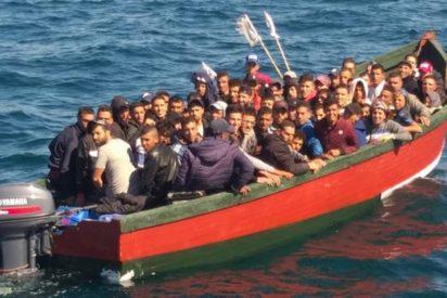 Sánchez, Marlaska y compinches desbordados por la avalancha de inmigrantes en patera