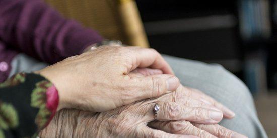Desvalija una residencia de ancianos que está aislada por el COVID-19