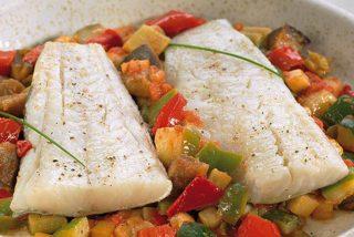 Bacalao con pisto de verduras: receta paso a paso