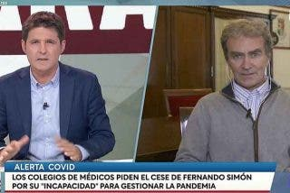 Fernando Simón 'sale de la cueva' para bautizar el estreno de Cintora en TVE con una entrevista-masaje