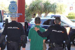Un exhibicionista persigue a tres niñas en un parque con los genitales al aire en Almería