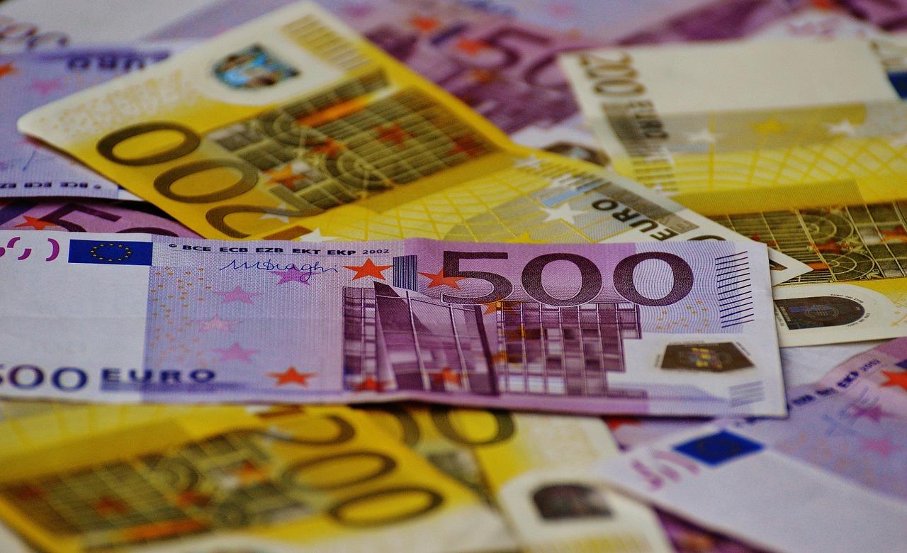 La Euromillones más envenenada: le tocan 8 millones y acaba arruinado y engañado por una abogada