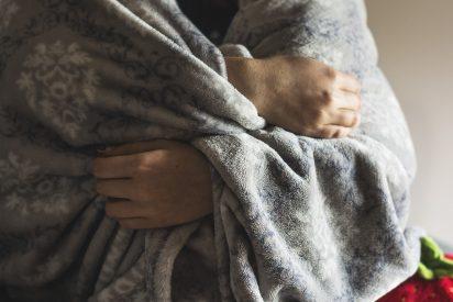 ¿Alergia al frío?: Casi muere después de salir de la ducha y sufre unshock anafiláctico