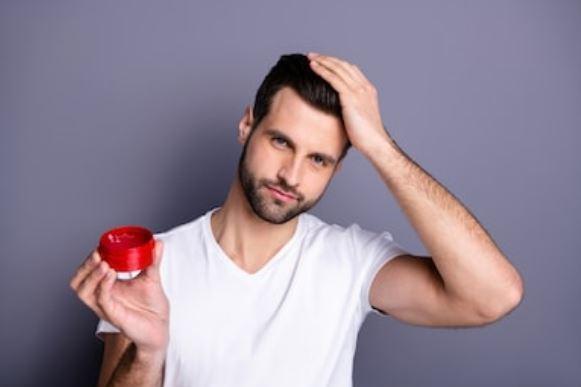 ¿Qué es mejor para el pelo, la gomina o la cera?👈