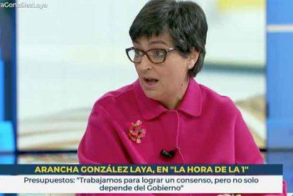 Los periodistas de TVE 'tragan' encantados con la censura a los medios que defiende González Laya