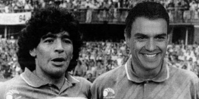 Los mejores 'memes' de Maradona, el 'Pibe de Coca', junto a sus colegas el 'experto' Simón y el 'fake' Sánchez