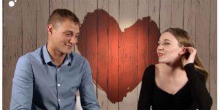La pasión por VOX y por Santiago Abascal une a esta joven pareja que buscaba el amor en 'First Dates'