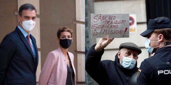 El ensordecedor abucheo a Pedro Sánchez en Pamplona por su pacto con los proetarras de Bildu