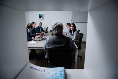 Parte del equipo de Emiral en sus oficinas de Madrid