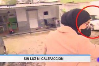 Un Porsche descapotable 'arruina' un reportaje de TVE sobre la pobreza en la Cañada Real