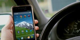 DGT: ¿sabes ya donde tienes que llevar el móvil para que no te casquen 500€ de multa y 6 puntos?