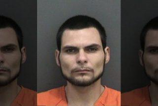 Un policía de Florida ruega a un sospechoso que coopere antes de verse obligado a abatirlo a tiros