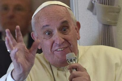 El Papa Francisco recorta los sueldos de los cardenales y otros gerifaltes del Vaticano