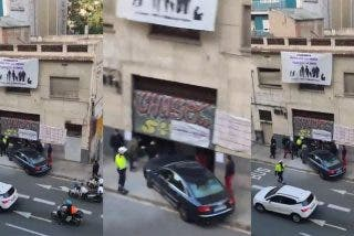 Los Mossos catalanes detienen a un empresario por empotrar el coche contra un local suyo tomado por 'okupas'