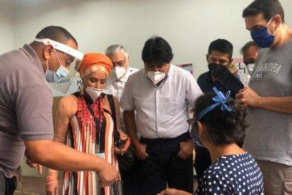 Los 'amiguetes' de Iglesias y Zapatero viajan a Caracas para blanquear el fraude electoral de Maduro