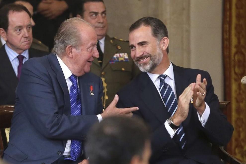 La doble jugada de Casa Real que deja KO al PSOE-Podemos y acerca a Juan Carlos I a una Monarquía reforzada
