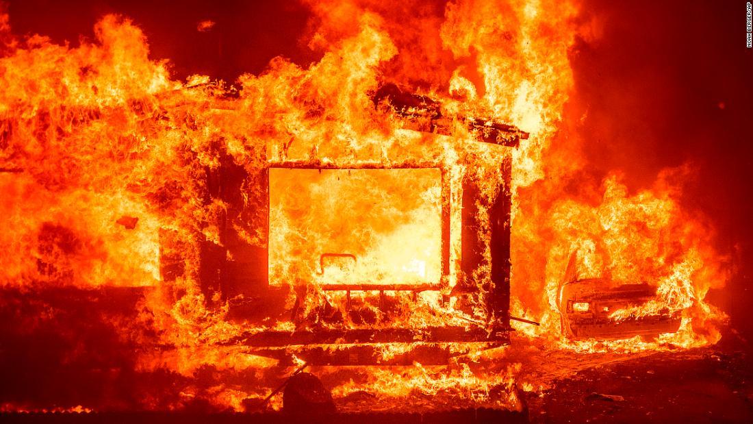 Golpea a su mujer, quema la casa y hasta mata a sus dos perros en Soria