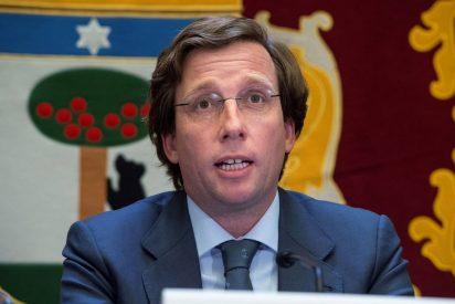 Almeida confía en que la recuperación del turismo en Madrid se afiance en el Puente de la Constitución