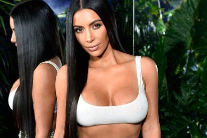 Kim Kardashian, en lugar de lucir trasero o pechuga, opta por presumir de abdominales estás Navidades